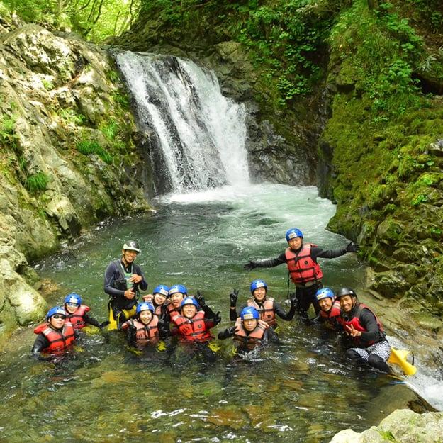 hanazono-niseko-summer-activities-canyoning-japan