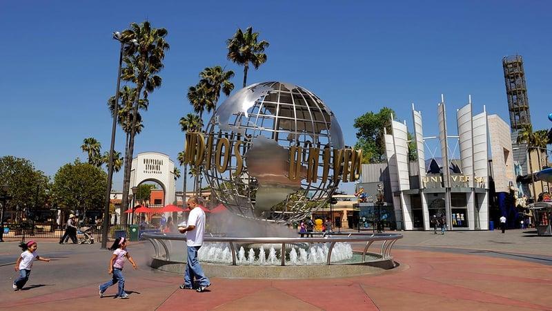 universal_studios_hollywood_globe